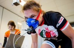 Woman behind the wheel for human speed record